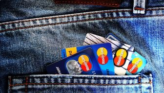 How to Choose the Right Bank Card for Your Needs